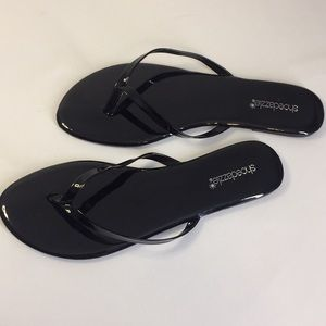 Shoe dazzle Black Flip Flops    Flats     Slip on